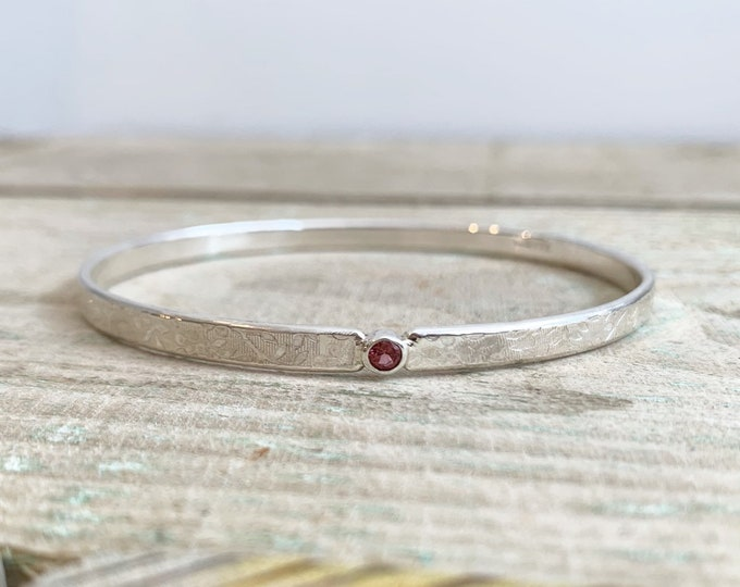 Birthstone textured sterling silver bangle