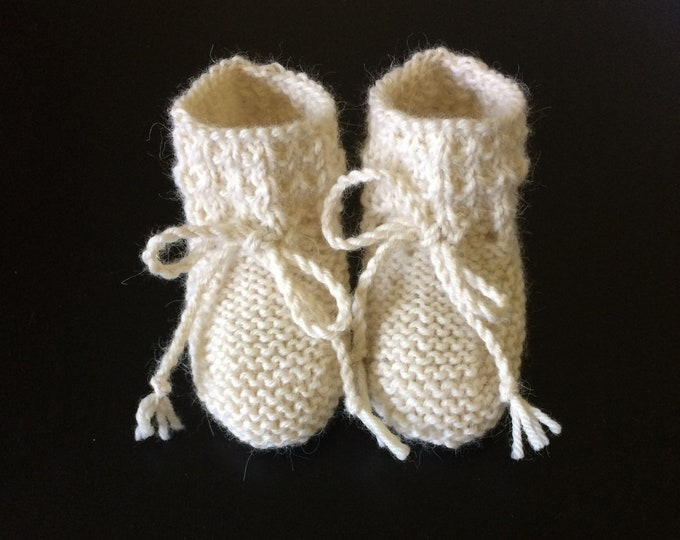Featured listing image: Baby Alpaca Willow Booties in Cream  - Made to Order