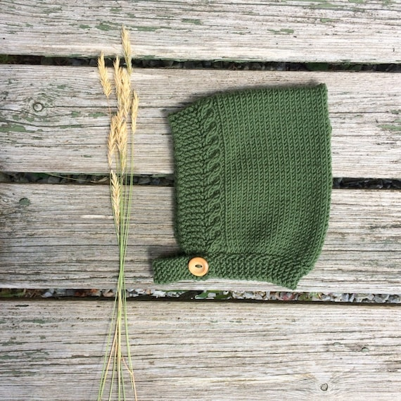 Merino Wool Cable Knit Pixie Hat - Moss Green
