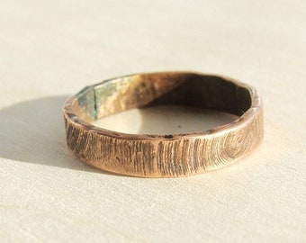 Engraved personalized ring Mens wedding Band Mens ring, wood texture ring, man jewelry, men ring, mans ring