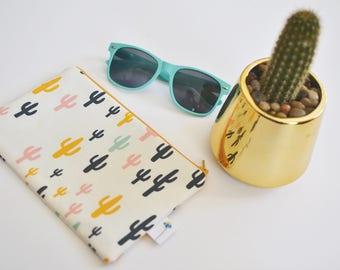 Cactus Zipper Bag, Cactus Makeup Bag, Saguaro Coin Purse Organizer, School Supply Bag, Desert Zipper Pouch, Small Clutch Purse, Travel Bag
