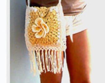 Plumeria fringe crochet handbag. Summer beige messenger bag .Boho flower crochet purse.Fringe crochet crossbody purse. Festival crochet bag.