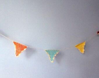 Flags crochet wall hanging- Crochet romantic triangle garland- Boho, party, wedding wall garland- Multi color triangle garland room decor