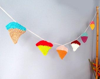 Ice cream cones crochet garland. Kids babies room, party wall decoration. Wall crochet hanging. Crib hanging. Summer crochet fun garlands