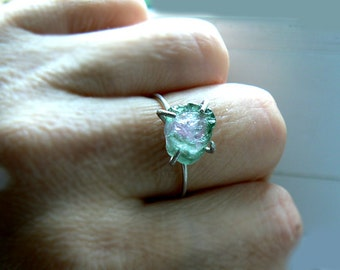 Watermelon tourmaline ring- Raw tourmaline sterling silver gemstone ring- Size 7 -Fashion, trendy ring - Boho pink green raw stone ring