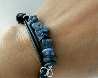 Raw blue kyanite gemstone leather bracelet- Raw ruby bracelet-Unisex bracelet-Wire wrapped stone boyfriend bracelet-Jewelry unisex gift