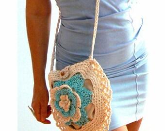 Petals cross body crochet handbag. Summer crochet messenger bag .Boho flower crochet purse. Round beige crochet purse. Festival crochet bag.