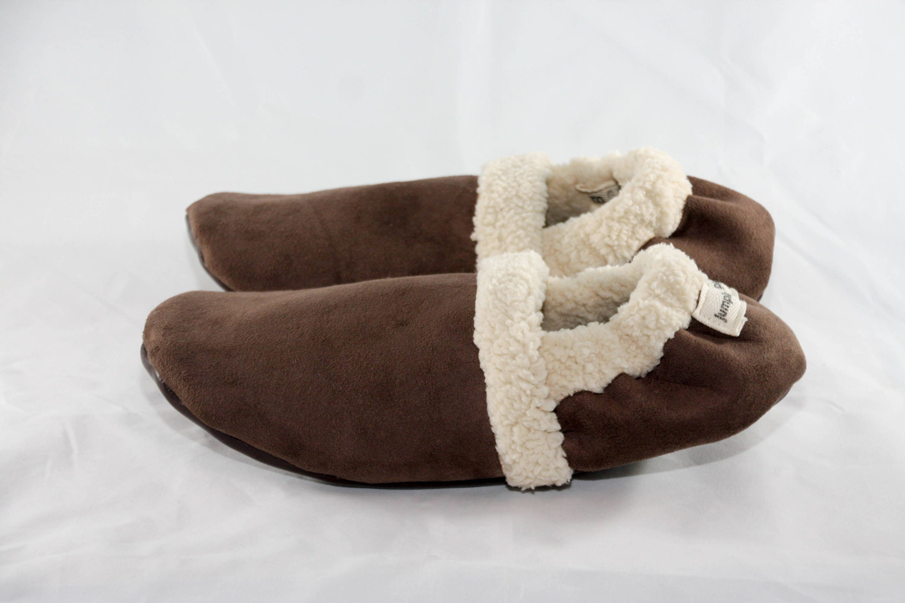 e4a84bce222ac0 Women s slip on shoes Women s slippers with soles