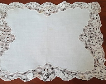 """Sweet Vintage Linen and Lace Doilie Table Linen 13"""" x 9"""" Perfect for Dressing Table, Dresser & More"""