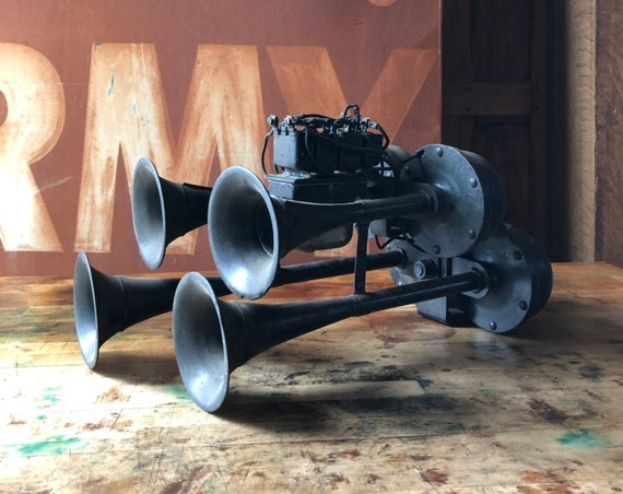 Antique Car Horn, Double Quad Car Horn, Four Car Horn, Museatone Brooklyn New York, Automobilia, Classic Car Horn