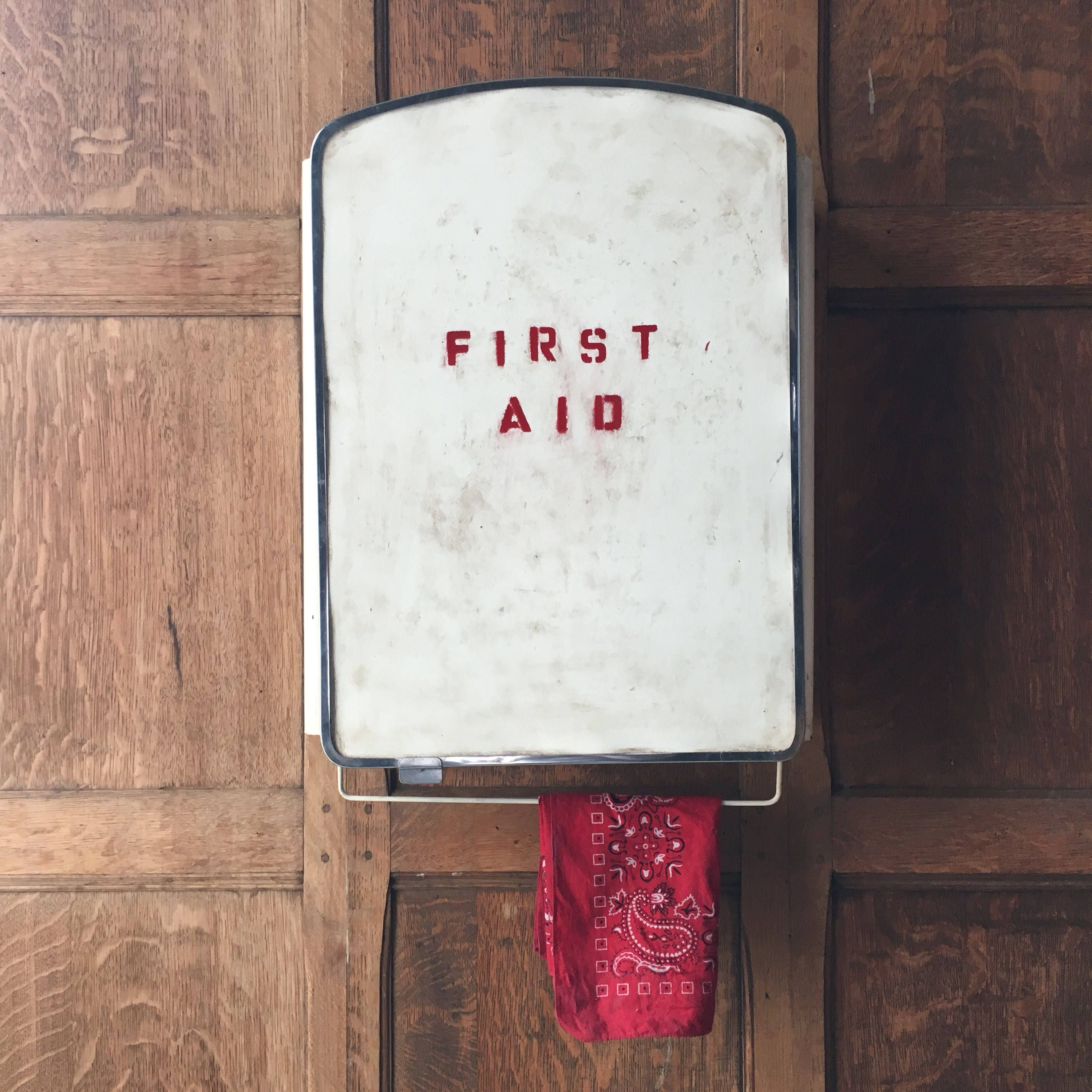 Photo De Cabinet Medical vintage first aid cabinet, first aid kit wall mount, bar decor