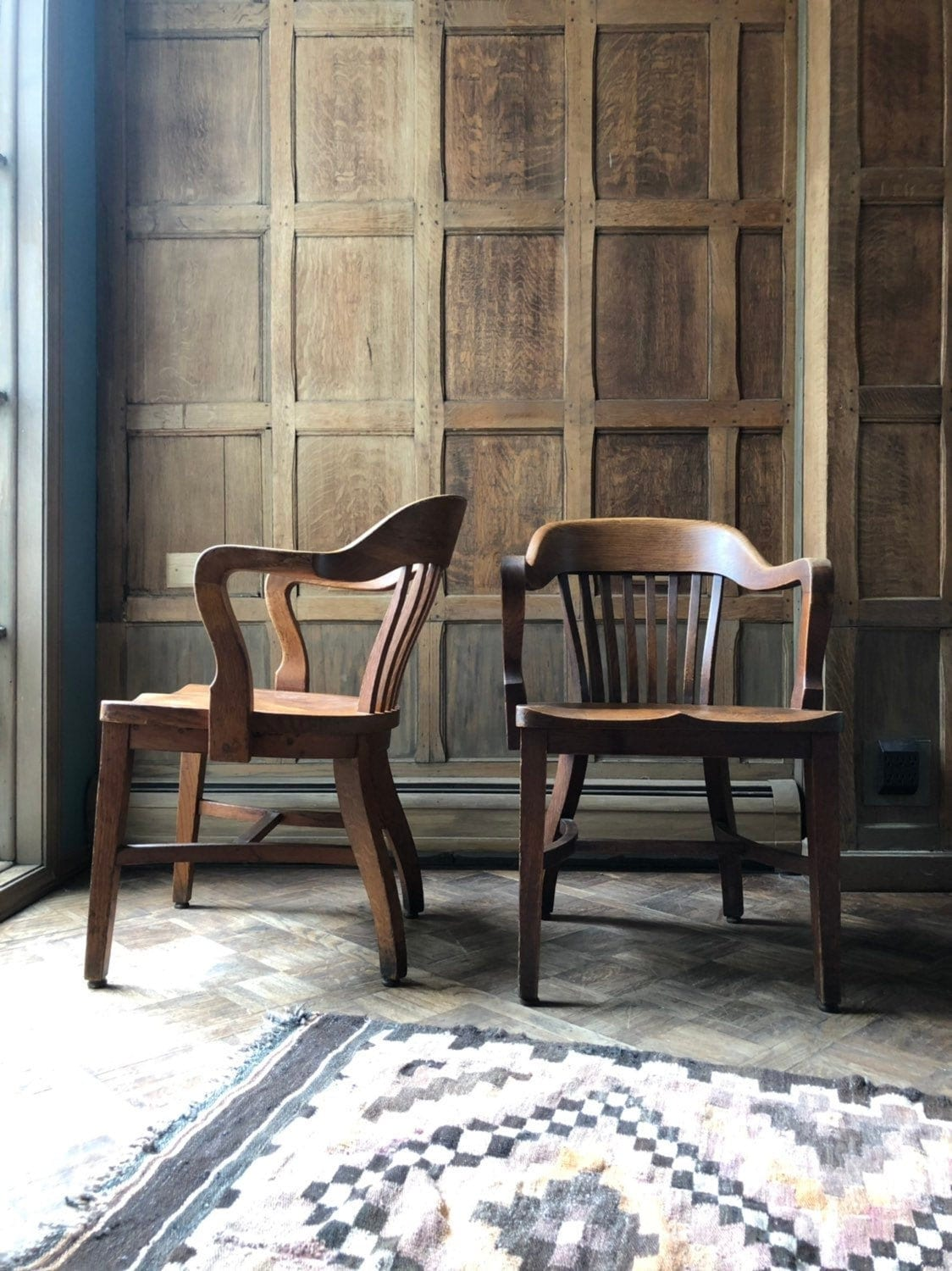 Wondrous Pair Of Oak Library Chairs Vintage Bankers Chair Antique Dailytribune Chair Design For Home Dailytribuneorg