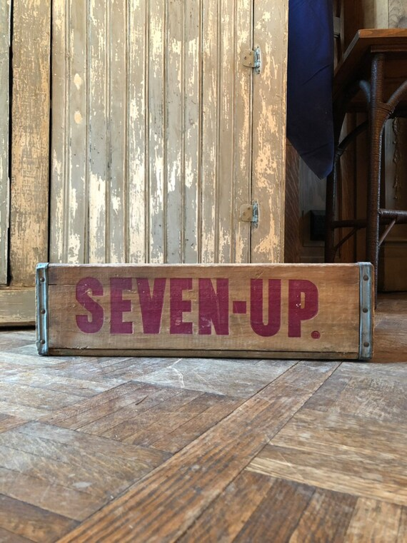 Vintage Seven Up Crate, 7 UP Wood Soda Crate, Vintage Soda Crate, Antique Pop Crate, Chicago, Illinois