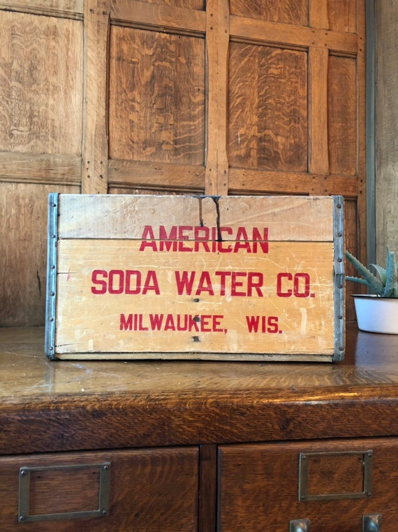 Vintage American Soda Water Crate, Vintage Wood Crate, Vintage Milwaukee Wisconsin, Rustic Industrial Storage