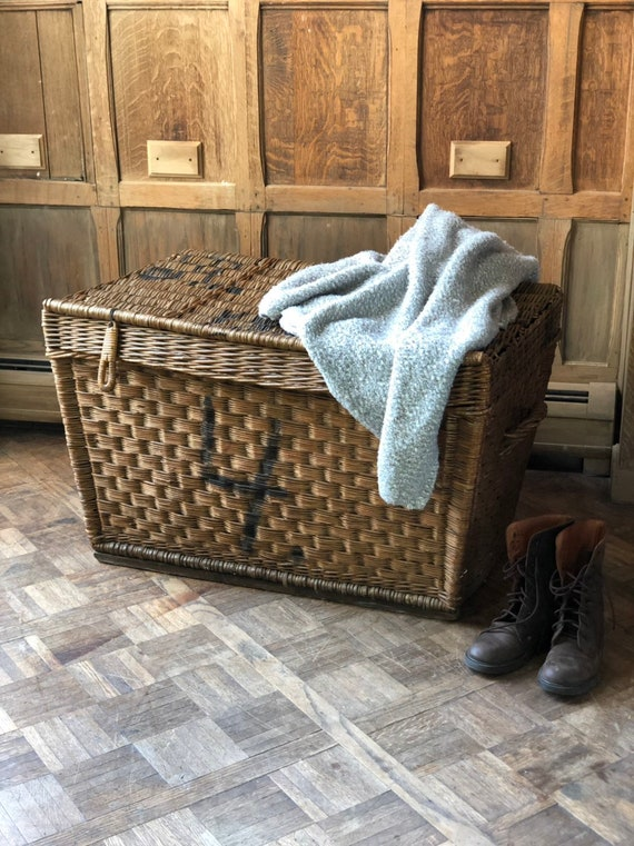 LARGE Antique Wicker Textile Mill Basket, Linen Shipping Basket, Large Wicker Hamper Basket, Blanket Basket, Linen Basket