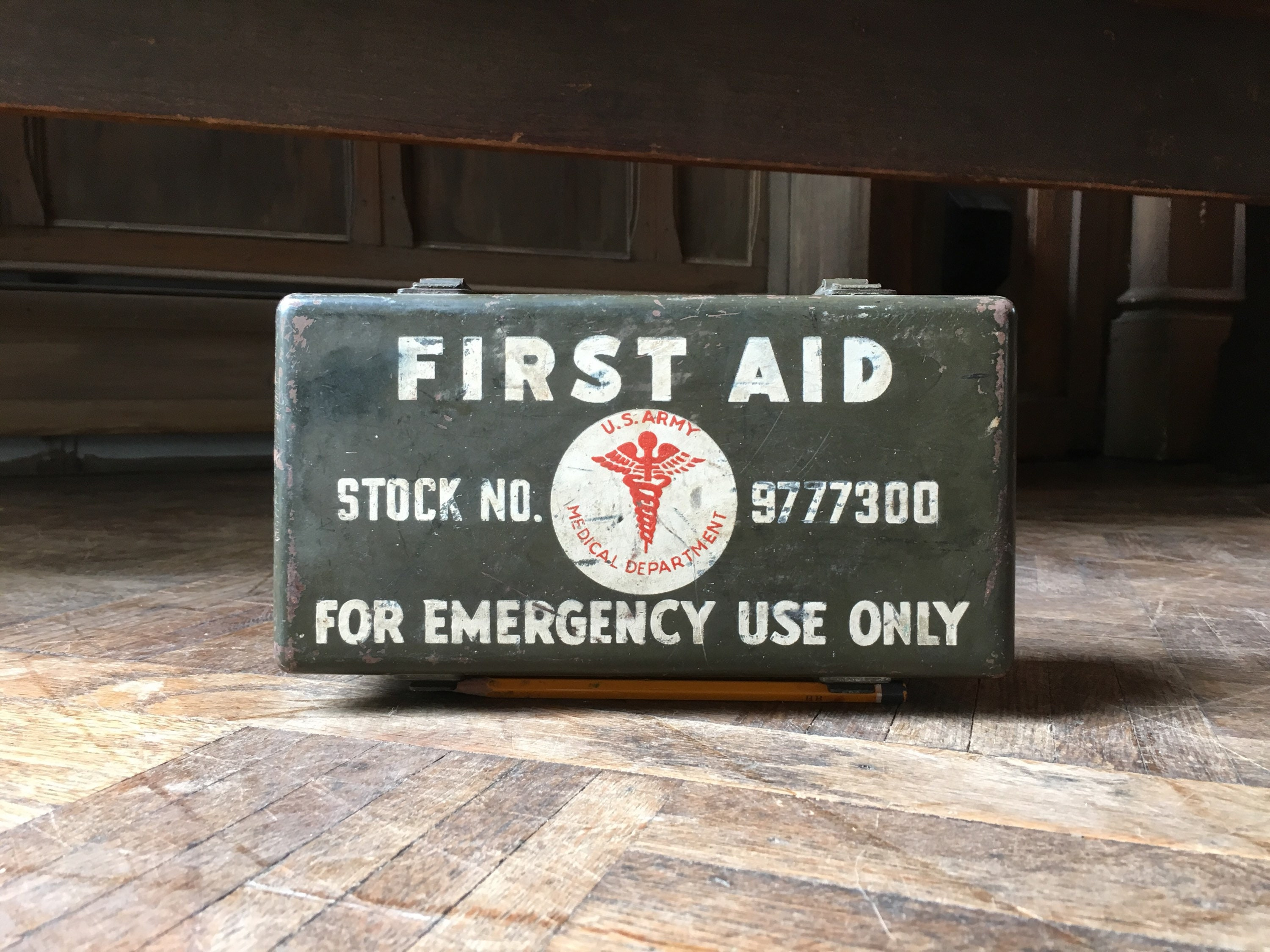 Vintage First Aid Kit, WWII U S  Army Medical Department Military