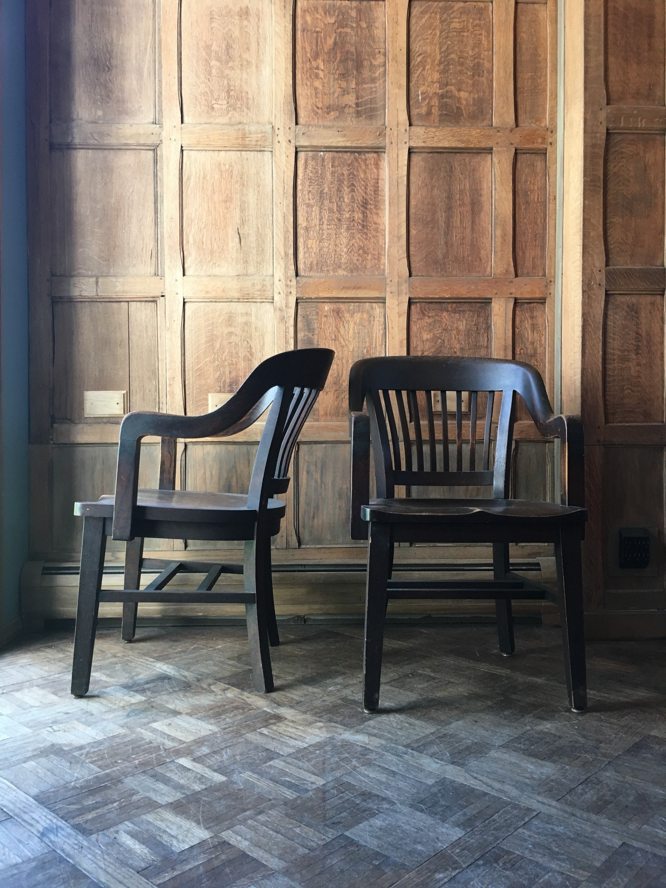 Admirable Pair Of Oak Library Chairs Vintage Bankers Chair Antique Dailytribune Chair Design For Home Dailytribuneorg