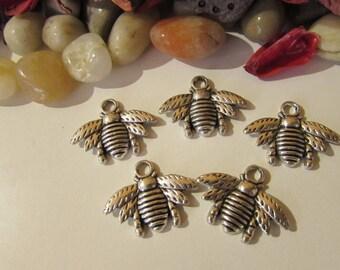 D-02202 - 5 Pendants bee antique silver