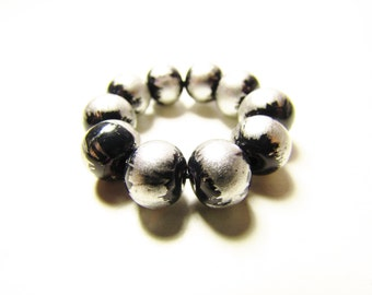D-00940 - 10 Glass beads 8mm Black-Silver