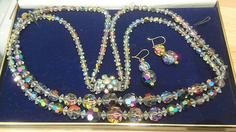 Vintage boxed faceted glass bead necklace and earrings set