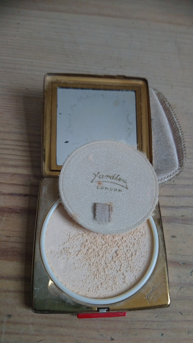 Vintage yardley compact with pouch