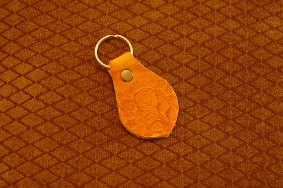 Porte-clefs en cuir rose