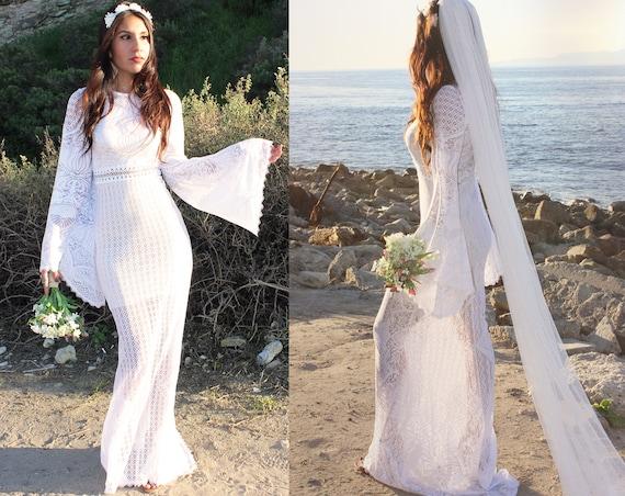 Vintage Mermaid Lace Wedding Dress Boho Bell Sleeve Angel Gypsy Quaker Lace Barn Country Wedding Dress