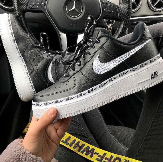 Nike Air Force 1  07 SE Premium Overbranded Hand  7878b112af