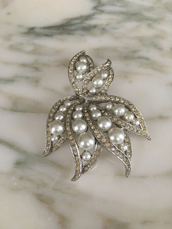 Pearl crystal Brooch, Rhinestone Pearl pin, leaf … - image 2
