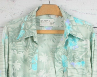 Men's Medium Fitted Vintage 70's Floral Hawaiian Disco Shirt
