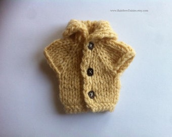 SALE Beige turtle neck waistcoat for Blythe, Azone Pure Neemo S, Momoko, Barbie, Pullip, Monster High, Ever After