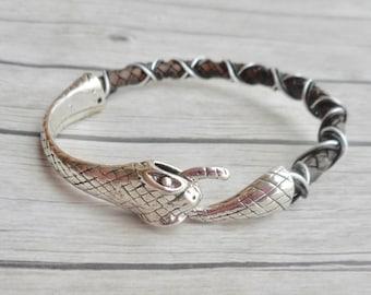 Ouroboros armband gevlochten leer heren dames bruine sieraad python slangen sluiting unisex handgemaakte sieraden trending item cadeau