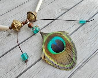 Pauwveer hanger leren tribal halsketting / handgemaakte zigeuner sieraad natuurlijke vogelveren sieraden / zelfgemaakte trending boho item