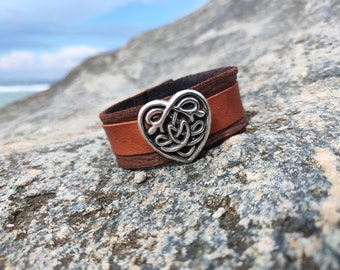 Leather bracelet cuff jewelry Celtic heart handmade jewelery natural brown trendy item cool cool unique gift
