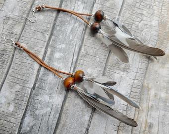 Long leather earrings parakeet Feathers / bohemian gypsy fashion / indian ladies jewelery / handmade jewelry boho / real bird feathers