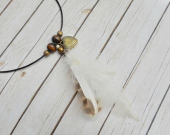 Tribal halsketting natuurlijke witte vogelveren hanger houten kralen uilen veren dames Boheemse sieraad handgemaakt sieraad indiaan zigeuner