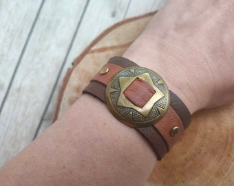 Leather bracelet cuff jewelry handmade jewelery bronze concho natural brown trendy item cool cool genuine leather bracelet unique gift