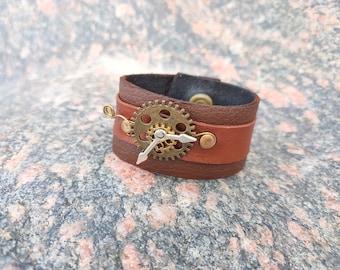 Steampunk style brown leather bracelet gears cogs handmade jewelry men women arts jewelery genuine leather gothic fashion jewelry unique