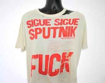 4af7e2936b6c 1984 Sigue Sigue Sputnik Rare Vintage Love Missile F1-11 Lyric 80 s  Thrashed New Wave Post Punk Rock Band Classic FUCK Concert Tour T-Shirt