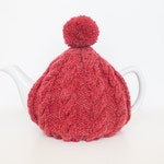 Red hand knit tea cosy - Pom pom tea cosy - Wool tea cosy - Teapot cover & warmer - Vintage tea cosy - Knitted teapot cosy - Tea lover gift