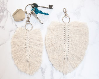 Macrame feather keyring. Cotton Macrame Leaf Keyring. Handmade from recycled cotton.