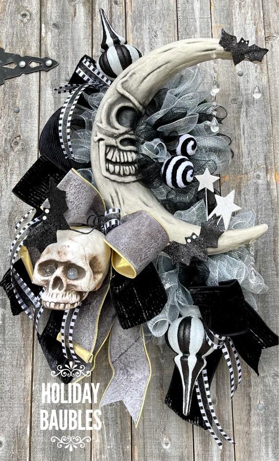 Halloween Wreath, Happy Halloween Wreath, Halloween Decor, Creepy Wreath, Halloween Crescent Wreath, Spooky Halloween Wreath, Moon Wreath