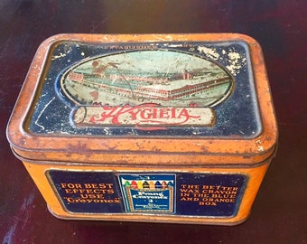 Hygieia Dustless Crayon Box ~ Vintage School House ~ Teachers Gift
