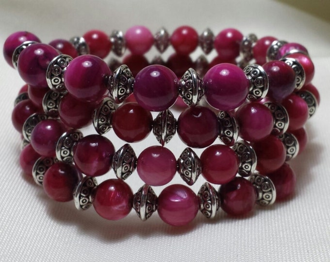Amethyst Dyed Shell and Silver Memory Wire Bracelet