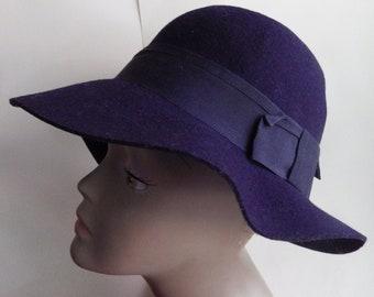97cc41aae1936 1970s BETMAR New York Soft Wool Felt Hat Navy Blue Soft Floppy Brim