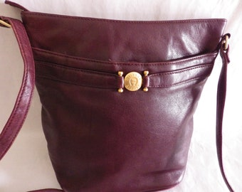 6485a92f713b 1980s Vintage Etienne Aigner Burgundy Leather Bucket Shoulder Bag Purse  Pocketbook Buttery Soft