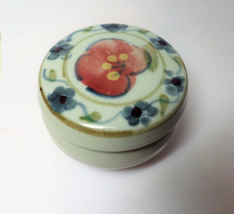 Vintage Handmade Cotswold Pottery Covered Trinket Box Bourton-on-the-Water