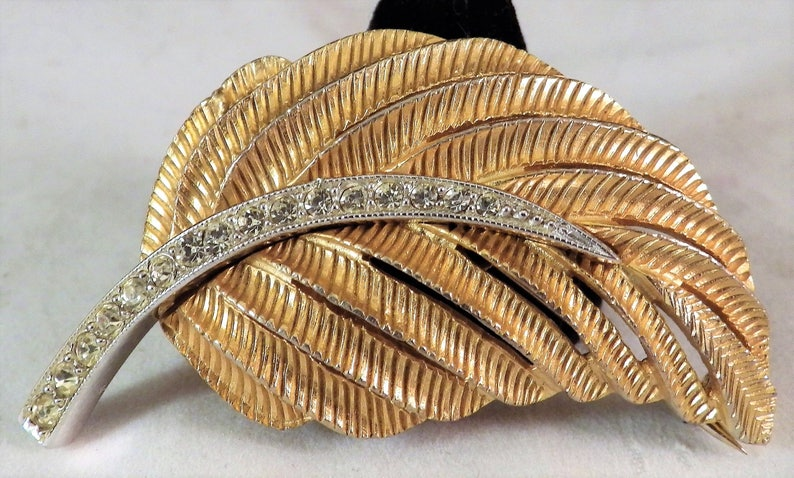 7f30f89688a 1970s Vintage FRANCES HIRSCH Gold Brooch Textured Leaf with