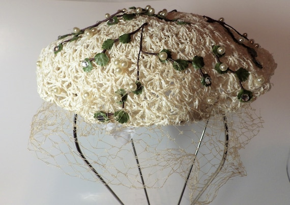1950s Vintage Hat Tam Off White Raffia Straw Croch