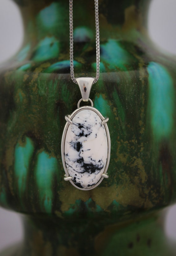 """Frost//White Buffalo Turquoise//18"""" Sterling Silver Box Chain//Prong Set"""